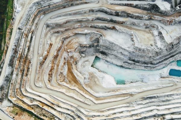 iron ore and gold ore mining (1)